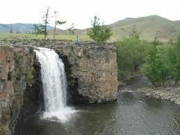 オルホン滝